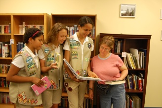 AB Girl Scouts at OBI et Animailers 003