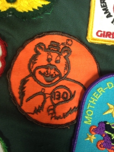 Lorrie's patch from 1970 that shows she reached her cookie goal.