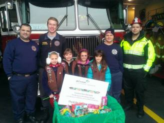 Troop 2 Delivers Cookies from the Heart 1
