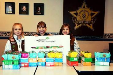Troop 2 Delivers Cookies from the Heart 2