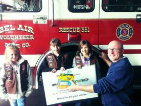 Troop 2 Delivers Cookies from the Heart 9