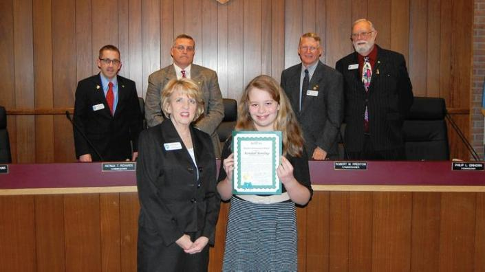 ph-ag-kendall-bowling-student-achievement-award-j-20151223 2